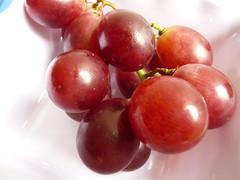 QUANTOS BAGOS DE UVA TEM A ? (rosablu1012 (standby mode)) Tags: macro fruit uva grape