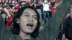 Indonesia Raya (Mangiwau) Tags: cup indonesia asian football singing emotion stadium soccer crying australia national jakarta sing passion match raya emotional bola anthem passionate rendition qualifiers bung qualifier lagu 2011 nangis tearful socceroos karno gelora memorycornerportraits gbks