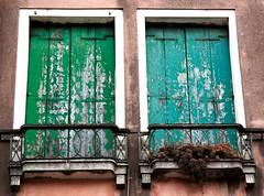 Windows of Venice (©Noeky1980 Photography) Tags: venice windows italy window canon photography fotografie ramen dslr italie venetie raam kleuren nuray spiegelreflex 400d canon400d noeky noeky1980 nuray1980 noeky1980photography