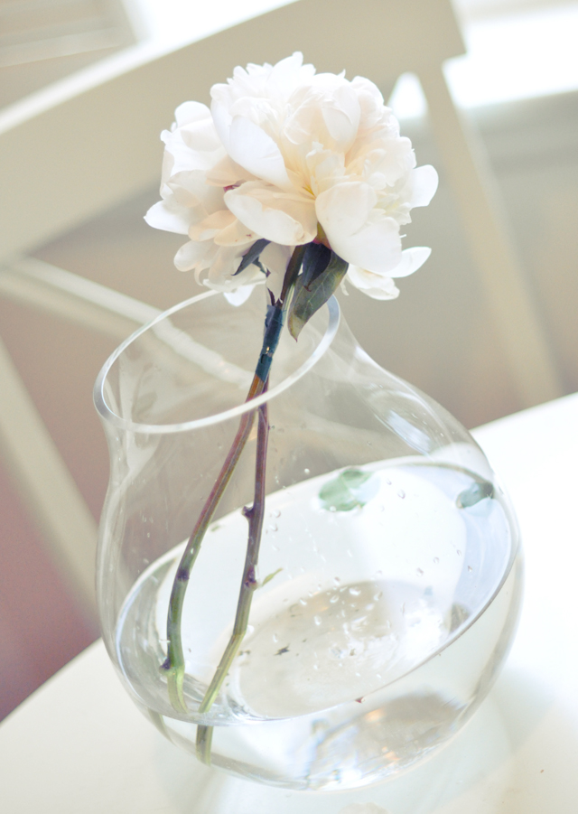 DIY White and green wedding bouquet 1