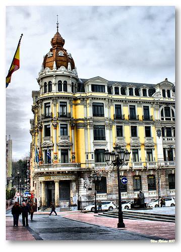 Oviedo by VRfoto