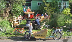 sunny day keg_01 (METROFIETS) Tags: green beer bike bicycle oregon garden portland construction paint nw box handmade steel weld coat transport craft cargo torch frame pdx custom load cirque woodstove builder haul carfree hpm suppenkuche stumptown paragon stp chrisking shimano custombike cargobike handbuilt beerbike workbike bakfiets cycletruck rosecity crafted 4130 bikeportland 2011 braze longjohn paradiselodge seattlebikeexpo nahbs movebybike kcg phillipross bikefun obca ohbs jamienichols boxbike handmadebike oregonhandmadebikeshow nntma hopworks metrofiets cirqueducycling oregonmanifest matthewcaracoglia palletbike oregonframebuilder seattlebikeshow bikefarmer trailheadcoffee