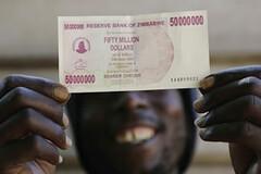 billete de 50 millones en zimbabwe