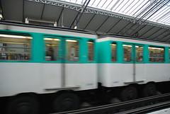 Mtro - 18 (Stephy's In Paris) Tags: paris france underground subway nikon metro mtro francia stephy mtroparisien mtropolitain d80 nikond80 mtrodeparis stephyinparis