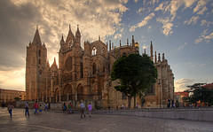 Catedral al atardecer-Leon-Spain (dnieper) Tags: españa spain catedral leon gótico
