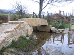 "Stone Bridge • <a style=""font-size:0.8em;"" href=""http://www.flickr.com/photos/48277923@N00/2620412707/"" target=""_blank"">View on Flickr</a>"