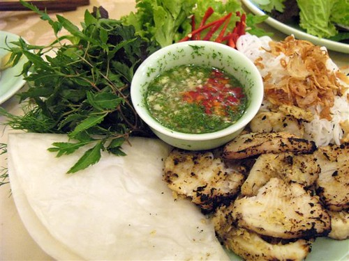 cha ca, fried fish with fixings