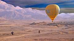 Taxi chaser (mix's) Tags: camera nature bike digital photoshop sunrise landscape photography photo mix photographer desert image pentax taxi postcard hotair balloon egypt images best nile sd card photograph egyptian dp hotairballoon environment egipto luxor photoar