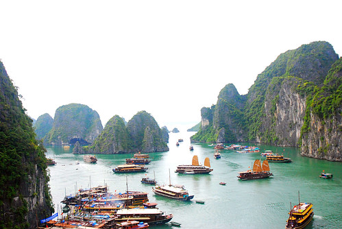 Ha Long Bay boats