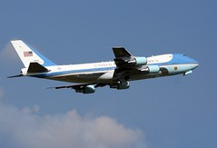 Boeing VC-25A - SAM 28000 Air Force One Climbs out of EFD (AV8PIX Christopher Ebdon) Tags: force sam airforceone boeing blackhawk usaf 747 757 pag secretservice potus seaking sikorsky c32 airforce1 airlift vh3d marineone air presidentialmotorcade vc25a 747200 presidential one hmx1 group sam29000 usss wing vh60n sam28000 89thairliftwing 89th sam2800 presidentialairliftgroup sikorskych53eseastallion