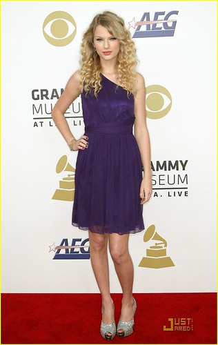 taylor-swift-grammy-nominations-02