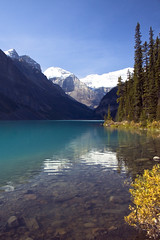 Lake Louise (sminky_pinky100 (In and Out)) Tags: lake canada mountains yellow rockies alberta lakelouise banffnationalpark justonelook abigfave omot citrit eyejewel personabest