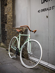 The Raleigh Wiffle (edscoble) Tags: white green leather glitter bar hub canon 50mm town flyer pastel raleigh tape holborn bloomsbury pro messenger brake coaster cruiser tyres brooks crank wiffle vittoria londonist zaffiro b67 surgino powercoated armourtex