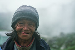 (Jeff Bauche._.)) Tags: world voyage travel nepal portrait people film jeff smile face smiling portraits trekking trek photography travels faces retrato films portrt roll oldwoman portret tong ritratto smily visage portrat nepali voyages npal pellicule langtang bauche nepalais lantang pellicula npalais theunforgettablepictures jeffbauche jeanfranoisbauche jeffbauche jeffbauchehotmailcom