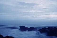 blue wave (sukandia (sukandia.com)) Tags: sunset beach balibeach iloveblue canoneos40d pantaiseseh sesehbeach