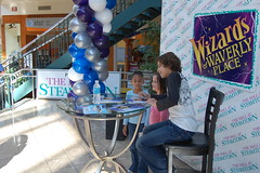 Jake Austin Event (mallatsteamtown) Tags: mall jake disney event scranton mallatsteamtown jakeaustin wizardsofwaverlyplace