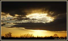 E luce sia..... (Mauro Bettarel) Tags: light sunset colors clouds landscape gold tramonto nuvole colori luce paesaggio oro