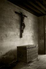 Crucifixión (Iria Rodríguez) Tags: blancoynegro jesus valladolid religión mywinners bn042008 imym bn052008