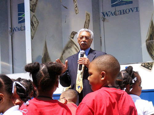 Larry Langford speaks to the kids.