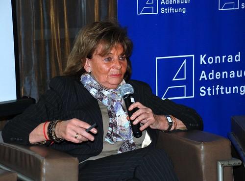 Charlotte Knobloch, Präsidentin des Zentralrats der Juden in Deutschland, während der Diskussion im Beit Mishkenot Ruth Daniel.