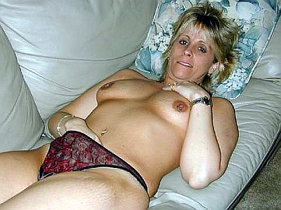 mature slut rubbing her old cunt. Jane Stanton, for example is a 44 year old ...