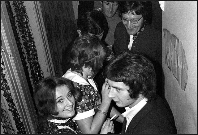 Party in Wolseley Street, 1970 - ws 151a