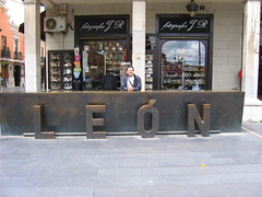 """Leon • <a style=""""font-size:0.8em;"""" href=""""http://www.flickr.com/photos/48277923@N00/2622159527/"""" target=""""_blank"""">View on Flickr</a>"""