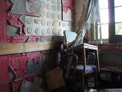 P6290273 (Blue Taco) Tags: urbandecay urbanexploration abandonedhospital thingsleftbehind