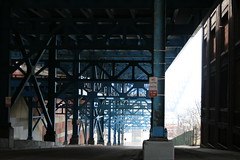 2008Cleveland_157 (emzepe) Tags: bridge blue ohio usa america us steel united cleveland under structure pont oh states amerika brcke 2008 19 hd tavasz kirnduls stahl acier prilis amerikai kk acl egyeslt llamok szleimmel aclszerkezetes aclszerkezet