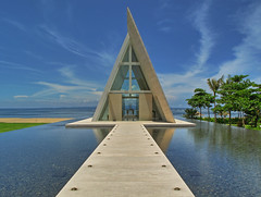 Conrad Hotel Bali - Wedding Chappel II (yushimoto_02 [christian]) Tags: wedding bali reflection architecture canon reflections indonesia geotagged hotel mirror arquitectura asia asien boda symmetry architektur mariage hochzeit hdr indonesien nusadua architectura kapelle heirat chappel conradhotel weddingchappel mywinners aplusphoto hochzeitskapelle highestpositioninexplore489 exploredcanonpowershotg7