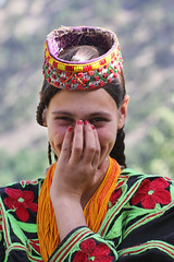 Kalashi Girl (Max Loxton) Tags: pakistan black green girl beauty dress ppg kalash chitral yasirnisar towardspakistan pakistaniphotographers maxloxton kalashi