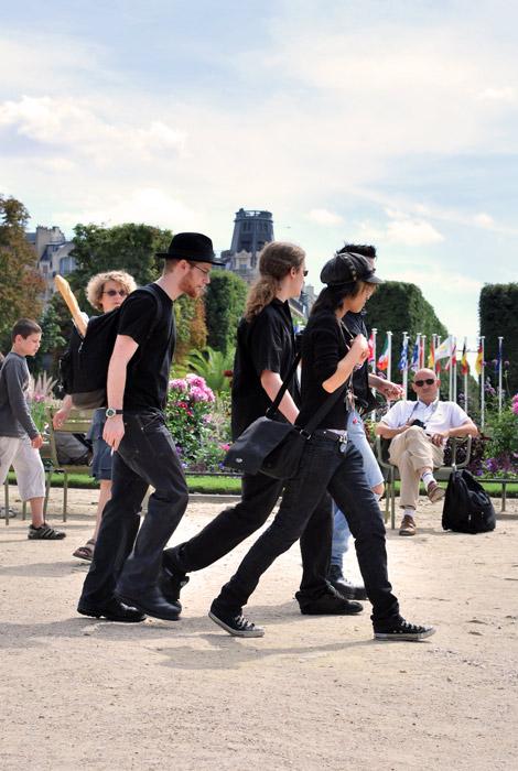 Groupe de jeunes in Black