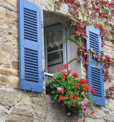 Pretty French window - Concarneau (IanNHall) Tags: flowers blue france window french brittany close bretagne concarneau shutters ville fenetre finistere kerne konk mediecal