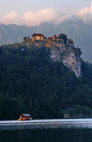 "Bled Castle • <a style=""font-size:0.8em;"" href=""http://www.flickr.com/photos/26679841@N00/2793155686/"" target=""_blank"">View on Flickr</a>"