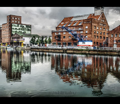 ^^ painted reflection ??? ^^ (andre.j.) Tags: blue reflection green harbor shot single grn blau hafen hdr reflektion myowncreation theunforgettablepictures olympuse510 ilovemypics thebestofhdr