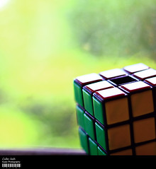 Cube-keh (Kyaw Photography) Tags: canon eos 50mm raw bokeh single cube f18 rubiks 450d