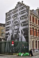 Three Women (Eliseo Oliveras) Tags: street city brussels people urban building face women europa europe belgium belgique muslim hijab bruxelles bruselas brussel belgica eliseooliveras eliseooliveras