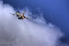 Heat wave  Israel Air Force (xnir) Tags: people art canon photography eos israel fly is interesting scenery photographer force lift martin general action aircraft aviation military air flight wave best f16 heat falcon af fighting airforce lockheed viper  soe dynamics israeli idf nir lockheedmartin  iaf temp1 100400l benyosef 100400  heyl     40d  wwwxnircom xnir   theunforgettablepictures idfaf haavir  xniro  photoxnirgmailcom