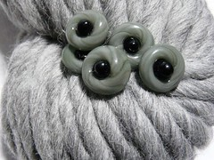 Aspen yarn with 5 small grey and black glass buttons