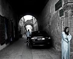 Sueño...zZzZz... (InVa10) Tags: travel viaje blue españa woman muro car azul stone mujer spain nikon dream badajoz morocco coche marrakech marruecos arco essaouira sueño piedra l10 inva