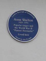 Photo of Anne Shelton blue plaque