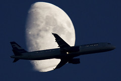 Finnair Airbus A321 Moon (Tim de Groot - AirTeamImages) Tags: windows moon night plane dark logo airplane lights aircraft aviation finnair airbus vliegtuig a321 vliegtuigen jetwash luchtvaart