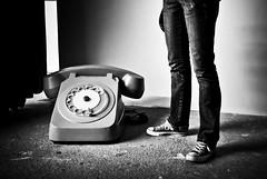 ? (janbat) Tags: bw nikon phone nb tokina ccc d200 carole tours f4 1224 téléphone lilianbourgeat jbaudebert