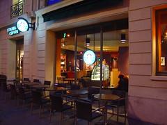 Starbuck Coffee (photo & life) Tags: street city morning people paris france coffee caf shop gris gray rue ville gens petit matin boulevardhaussmann starbuckcoffee