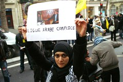 Solidarit avec Gaza    (Bissane) Tags: 6 paris israel palestine protest egypt hijab 2008 hezbollah manifestation gaza dcembre gypte moubarak blocus palestiniens