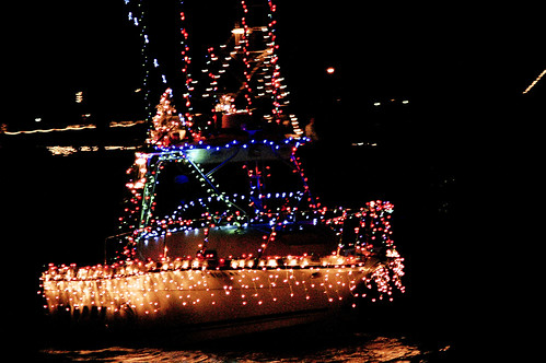 boat christmas parade 19