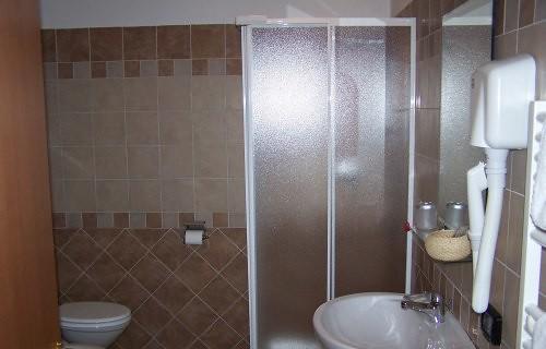 Servizi privati in ogni camera al B&B I Quadri 2000 a Castel Gandolfo Lago