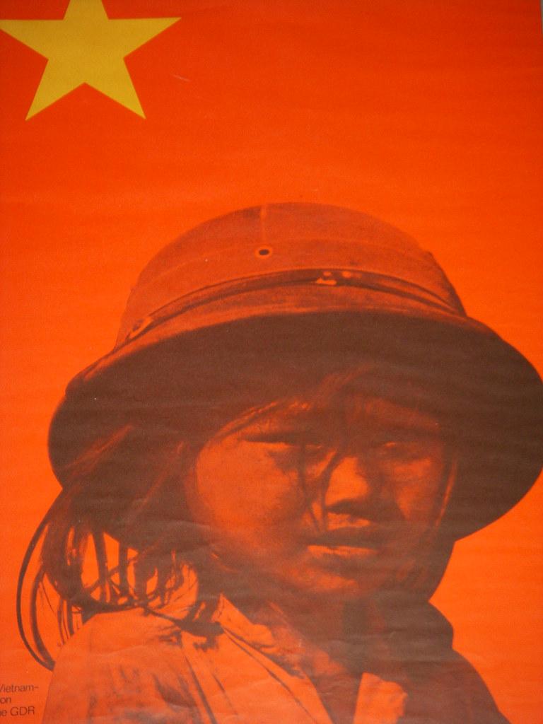 bandera vietnam con ninya