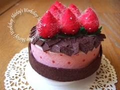 Felt Strewberry Chocolate Cake (Shirley's Workshop) Tags: diy handmade ooak birthdaygift musicbox chocolatecake strewberry feltcake uniquegift