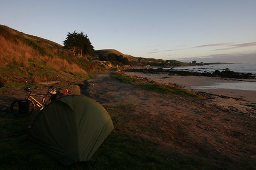 Morning camp at the Nugget Point, The Catlins, NZ.